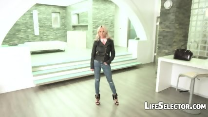 The Boss - Rachele Richey - scene 3