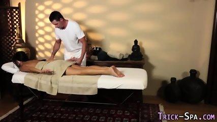 Conned babe massaged cum - scene 4