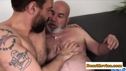 Bald mature bear analfucked after rimjob - scene 4