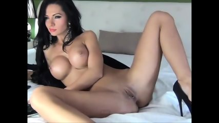 Russian Stripper On Webcam Plays With Her Pussy