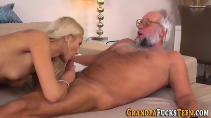 Whore eaten out by senior