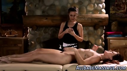 Lesbian babes scissoring