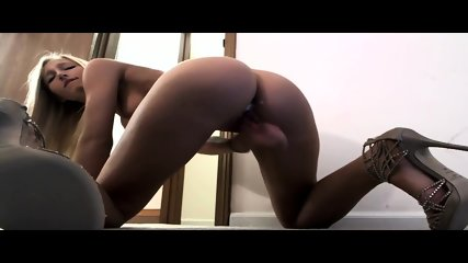 Wet Pussy Blonde Makes Her Pussy Cream - scene 5