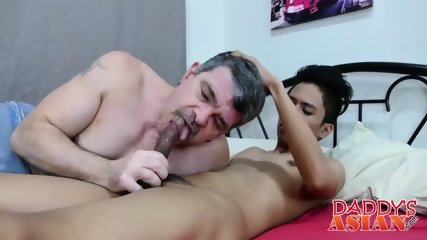 Mature gay perv spreads his asshole for a tiny Asian pecker