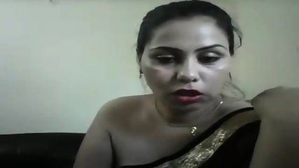 hot desi girl on cam showing boobs and teasing in a saree with hindi audio - For Live sex or to chat visit hotcamgirls.in