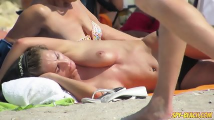 Amateur Topless Beach Voyeur Teens - Hidden Cam Spy Video