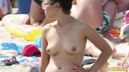 Topless Voyeur Beach Close Up HORNY Teens - Spy-Beach Video - scene 1