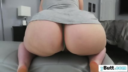 Chubby girl with amazing ass get her pussy drilled by big black cock