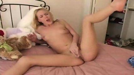 Sweet Maike masturbating