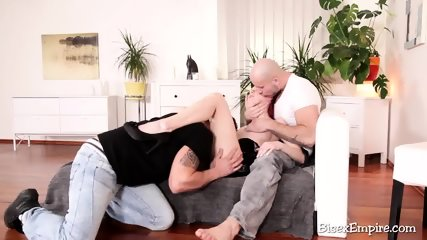 Redhead diva with gay couple
