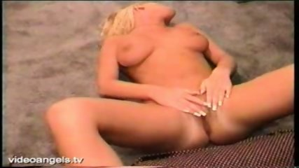 Close Up Pussy Play - scene 2