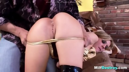 Classy seductive show by Mell - scene 4