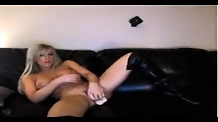 Hot Blonde Dans Boots Rides Didlo
