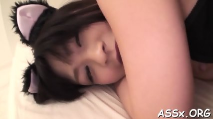 Stimulating Asian anal with vegetables