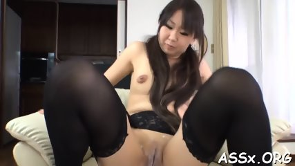 Stretching Japanese babe s anal tunnel