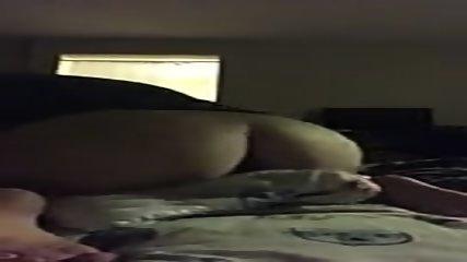 Horny Teen Humping Son Oreiller - scene 2