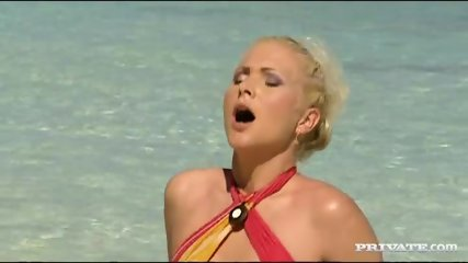 Kathy Anderson Goes Wild On A Tropical Beach... - scene 5