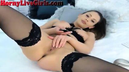 Masturbating Webcam Girl Has Amazing Body - scene 9