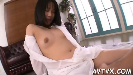 Exploring a juicy and hairy Asian cunt