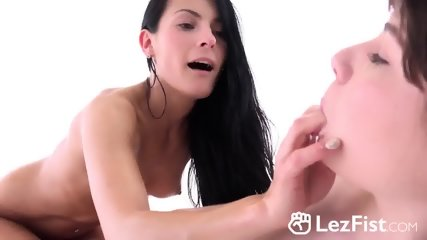 Lesbians Luna Rival And Lexi Dona Masturbate And Fist Their Pussies