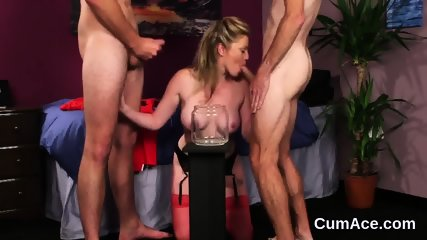 Spicy model gets cumshot on her face gulping all the cum