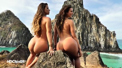 Hot Babes Outdoor