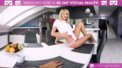VR PORN-PUSSY FOR BREAKFAST – KATY ROSE VR MASTURBATION