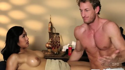 TrickySpa - Mia Li - I M Looking For Buyers - scene 5