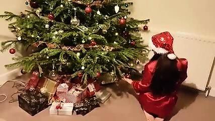 Kleine Abbie Weihnachtsfeier blinkende Exhibitionist Dressing