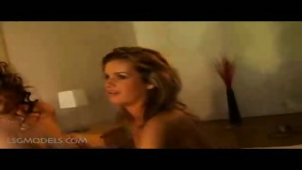 2 hot chicks playing-pt4 - scene 10