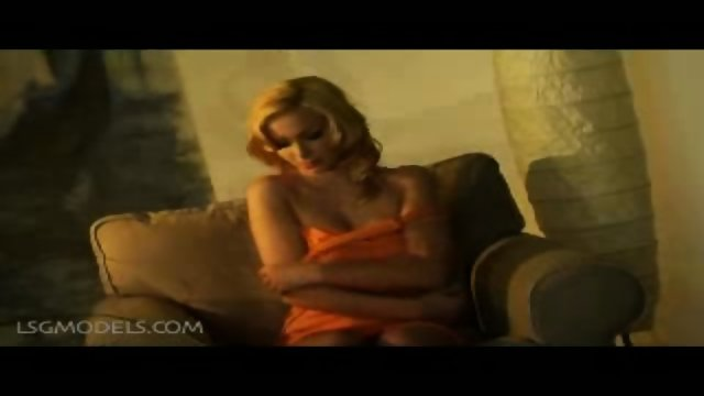Karolina spreads her legs open