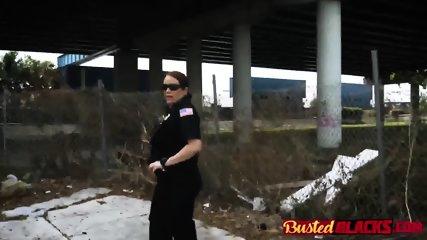 Criminal on the lam gets triple teamed