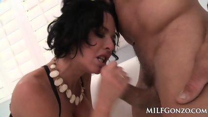 MILFGonzo Veronica Avluv Fucks Tommy Gunn In Her Lingerie - scene 8