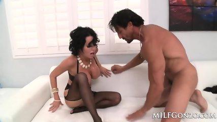 MILFGonzo Veronica Avluv Fucks Tommy Gunn In Her Lingerie - scene 9
