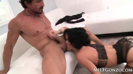 MILFGonzo Veronica Avluv Fucks Tommy Gunn In Her Lingerie - scene 1