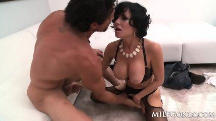 MILFGonzo Veronica Avluv Fucks Tommy Gunn In Her Lingerie - scene 2