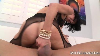 MILFGonzo Veronica Avluv Fucks Tommy Gunn In Her Lingerie - scene 4
