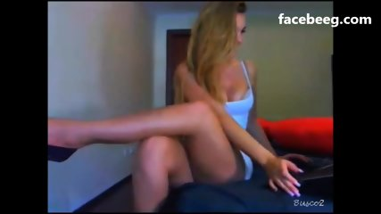 Babe girl on webcam Part 1 - Part 2 on Facebeeg.com