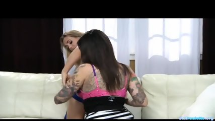 Lesbian Fucking And Squirting - scene 8