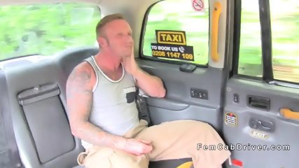 Dude without money bangs cab driver
