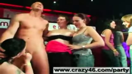 Drunk Girls Suck Strippers Cocks at Party - scene 9