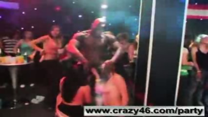 Drunk Girls Suck Strippers Cocks at Party - scene 10