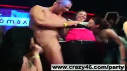 Drunk Girls Suck Strippers Cocks at Party - scene 4