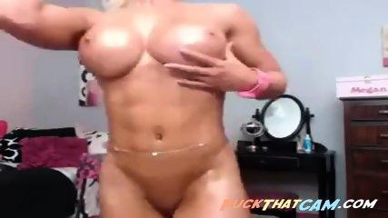 Beautiful blonde bodybuilder gives a webcam dildo fuck show