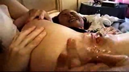 Girl squirts on anal Orgasm - scene 9