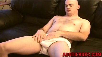Sexy stud loves when his mature friend swallows his dong