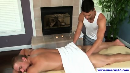 Hunky masseuse enjoys straight first timer