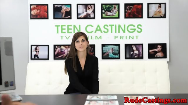 Hardfucked teen beauty cockrides at casting