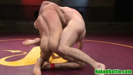 Throated stud enjoys wrestling with his bf