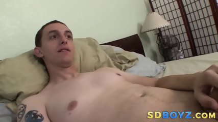Cock tugging amateur stud